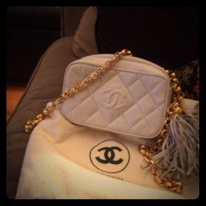 Quilt 90s Chanel gld chain, tassel. Mint, orig pkg